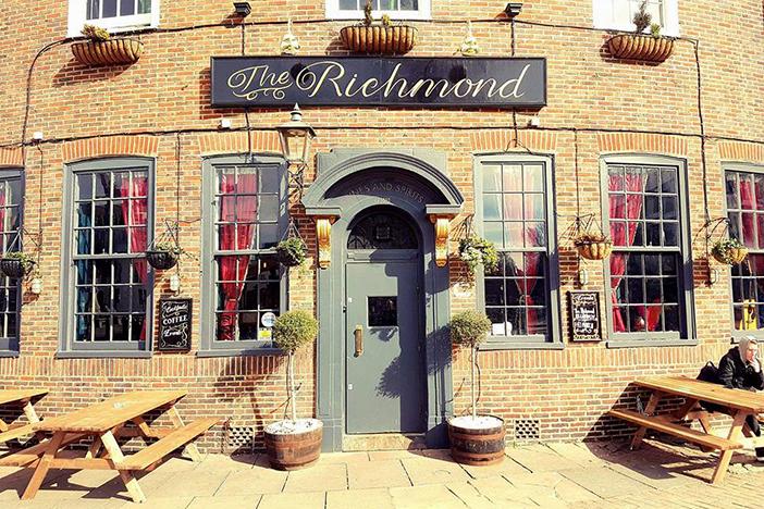 The Richmond Bar   Brighton Source